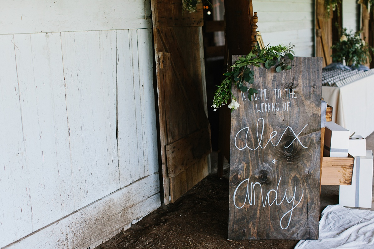Cute wooden wedding welcome sign