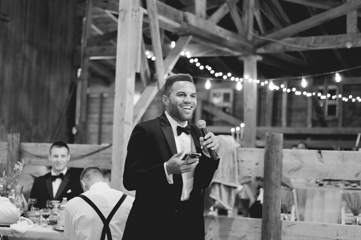 Best man gives lively speech at wedding
